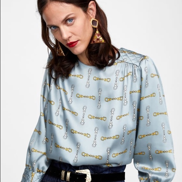 5a5915efee Zara Tops | Basic Chain Print Blouse Gently Used | Poshmark